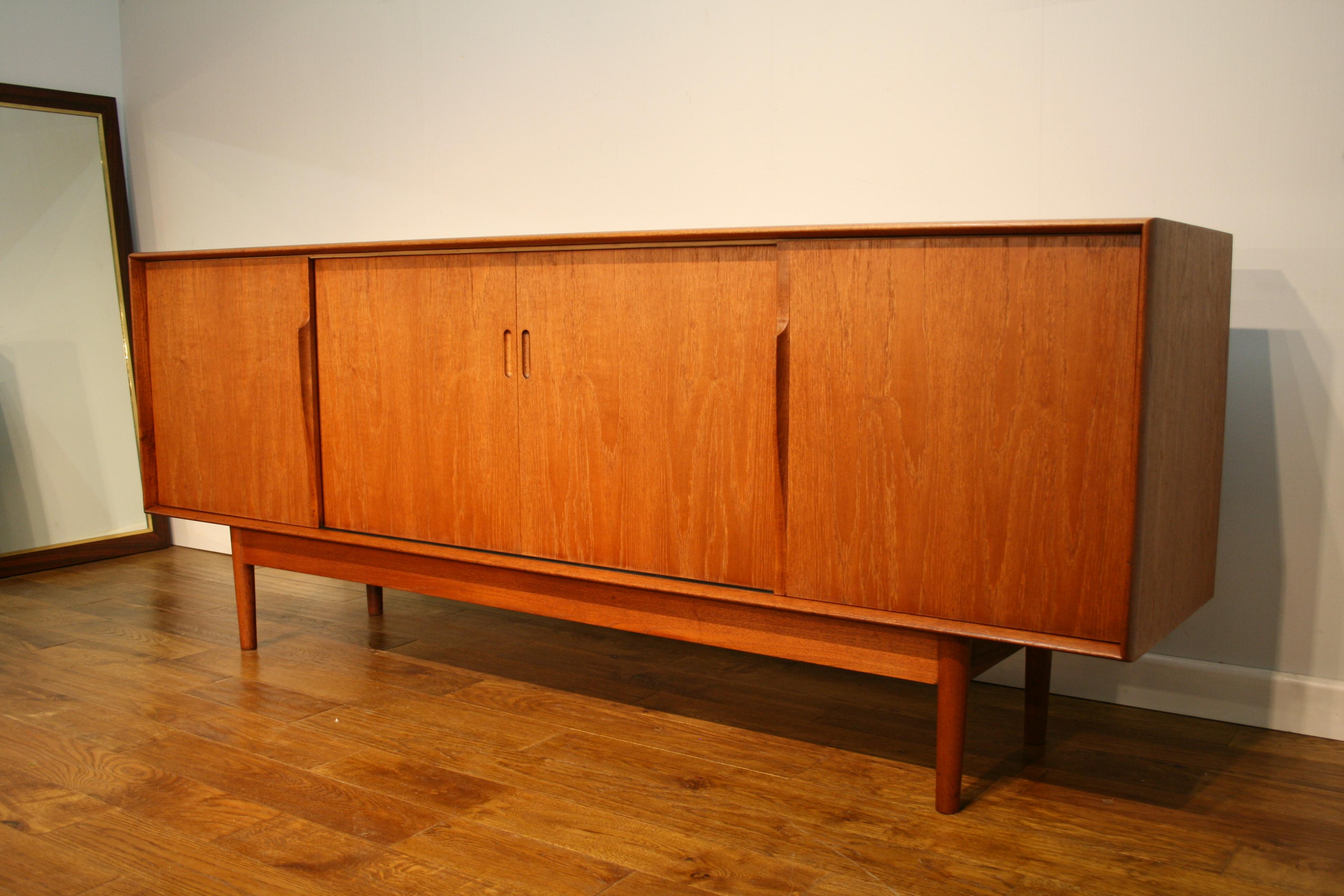 online retailer 56156 82935 A tale of 2 sideboards : Danish versus British - Pure ...