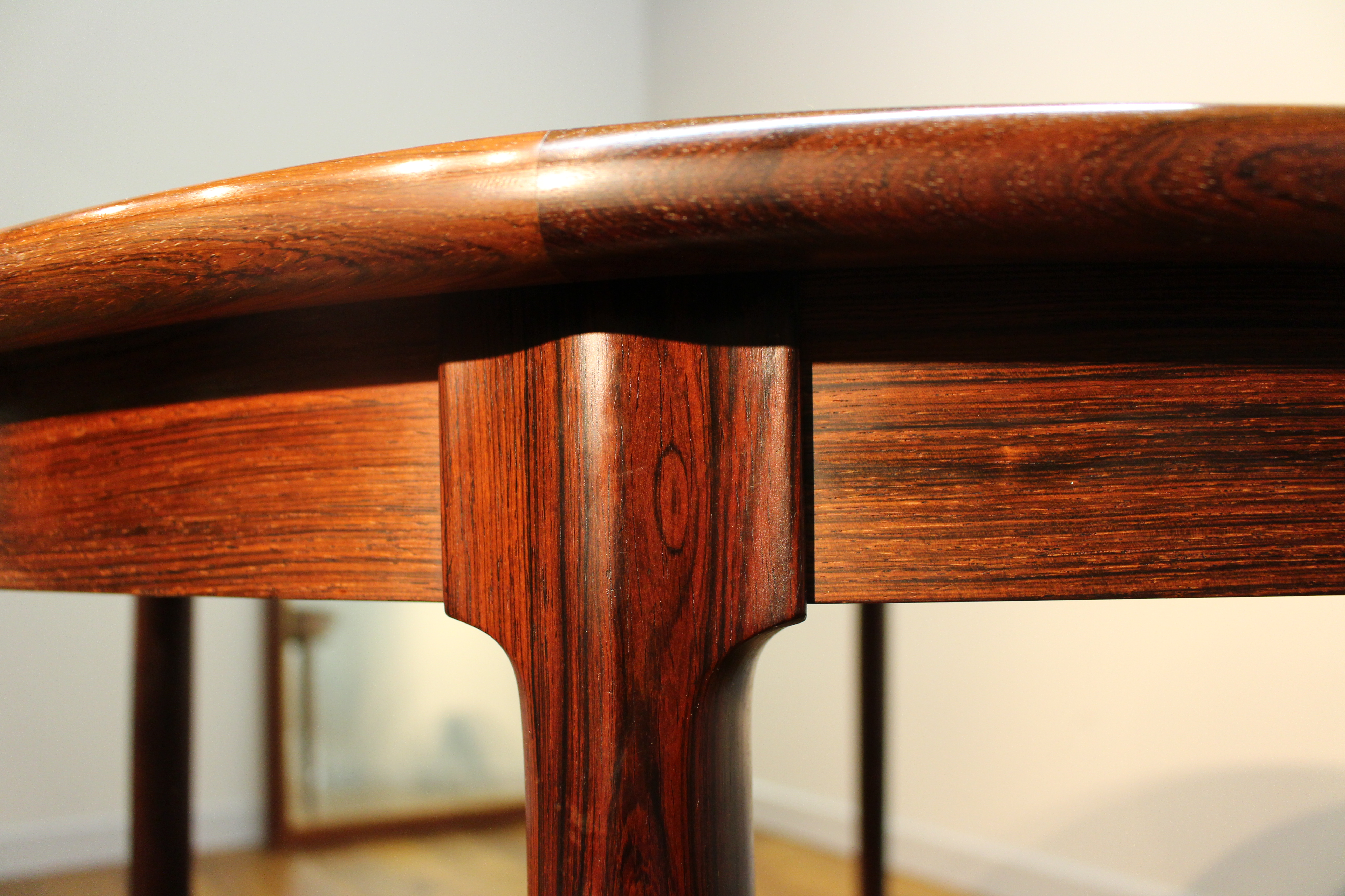 buyers guide to vintage mid century dining tables pure imagination