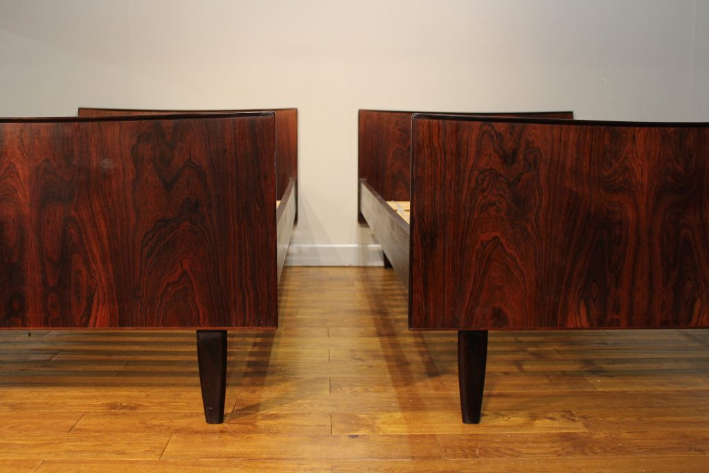 meet rosewood singles Rosewood - chairs, singles/pairs a fine edwardian inlaid rosewood open arm chair, circa 1900, of elegant sinuous lines with art nouveau influence.